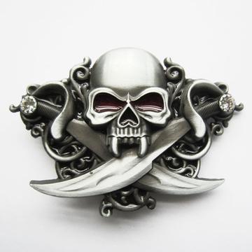 Boucle ceinture Tête de mort sabres  Publicités 18dc305b472